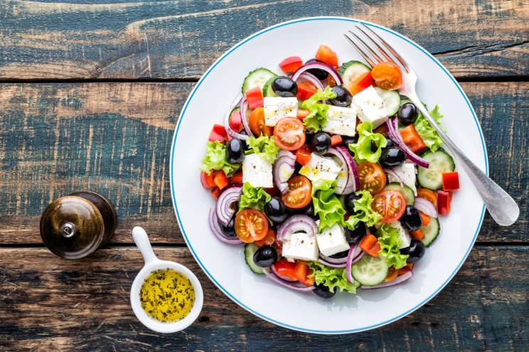 Sasğlıklı Diyet Listesi Peynirli Soğanlı Salata